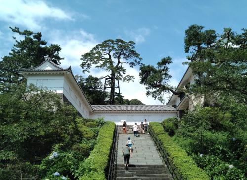 小田原城址公園の常磐木門の階段
