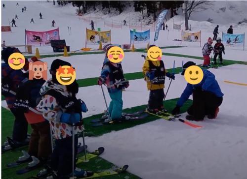 NASPAスキーガーデン キッズ スキースクール